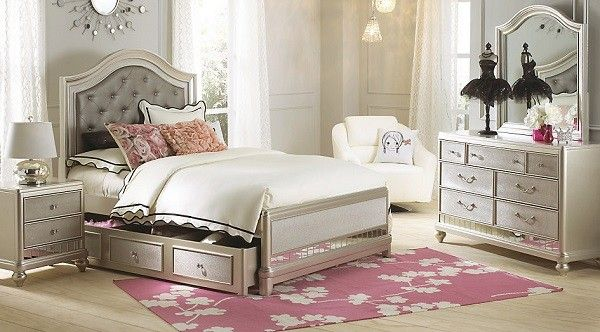 Sofia Vergara Paris Silver 5 Pc Queen Bedroom Rooms To Go Bedroom Bedroom Sets Cheap Bedroom Furniture