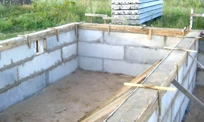 Block Foundation Cost How To Lay Block Foundation Strip Foundation Cinder Blocks Laying Cost To Lay Blo Cinder Block Foundation Cinder Block Walls Cinder Block