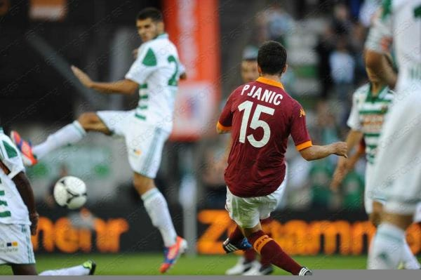 Rapid Wien vs. AS Roma  the first Roma goal; bello Pjanic! forza roma. (: