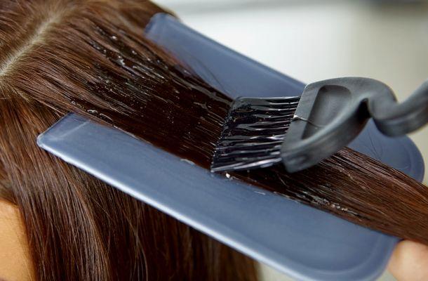 3 trükk, amitől kétszer olyan sokáig lesz szép a festett haj! Sokat spórolsz velük | femina.hu