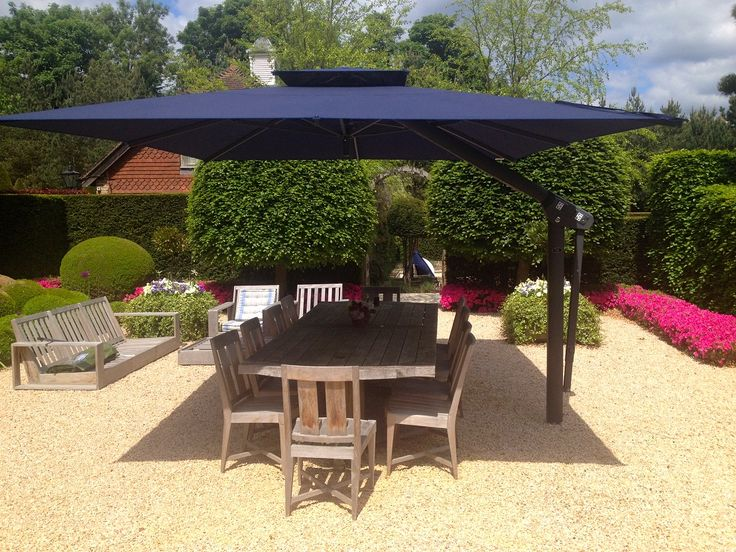 Piazza large variable height side arm cantilever garden parasol. Ideal for home use, the most popular sizes are 3m & 4m square and 4m x 5m rectangular.