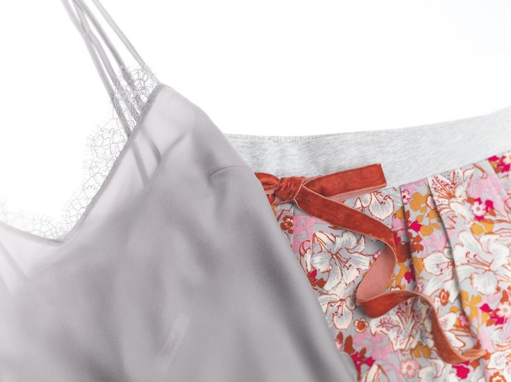 Enjoy sensual florales and woven shorts with a velvet band for a super smooth feel…  Photographed: Triumph Mix & Match Shorts in Grey Combination