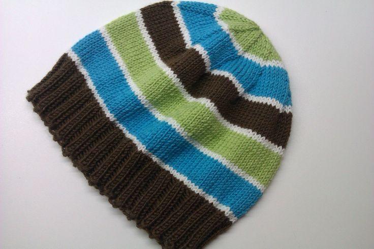 Pletená pro kluky II Možné uplést v různých barevných provedeních, s různými aplikacemi, v různých velikostech :-) Vhodná na jaro a podzim či teplejší zimu ...