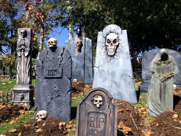 halloween graveyard - Halloween Cemetery Decorations