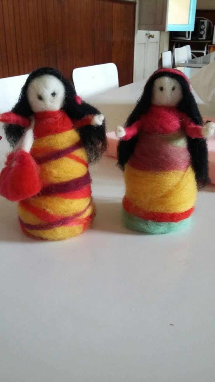 muñecas en vellon