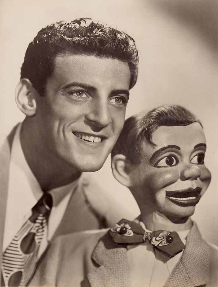 PAUL WINCHELL an American ventriloquist (Dec 21 1922-June 24 2005) and Jerry Mahoney. His 2nd most known character was Knucklehead Smith. The Paul Winchell Show (1950-54) Winchell Mahoney Time (1965-68) Vintage press photo dated Sept 13 1953 (minkshmink)
