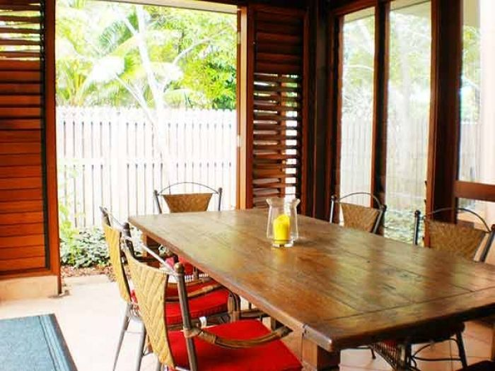 Unique property, centrally located in #PortDouglas With it's own private pool this property is ideal for families. Easy walking distance to all shops and restaurants and beautiful Four Mile Beach. This property is ideal for a relaxing #family #holiday