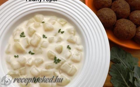 Tejfölös karalábéfőzelék recept fotóval
