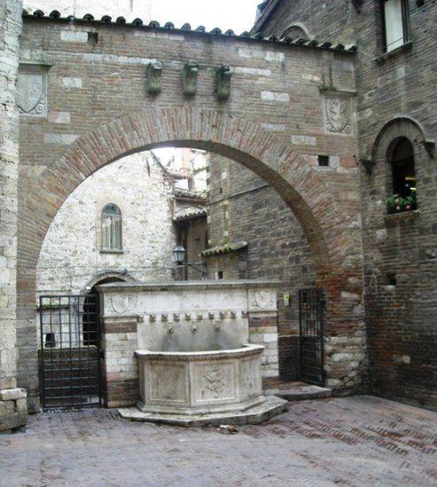 Perugia,  durante il percorso dei personaggi