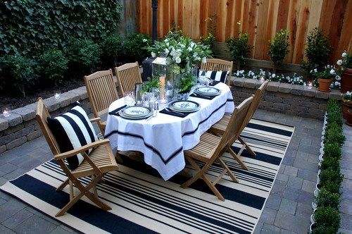 outdoor living… entertaining al fresco | inspired habitatSmall Patios, Dining Area, Dining Room, Patios Design, Outdoor Rugs, Rai Gardens, Wood Design, Outdoor Spaces, Outdoor Eating