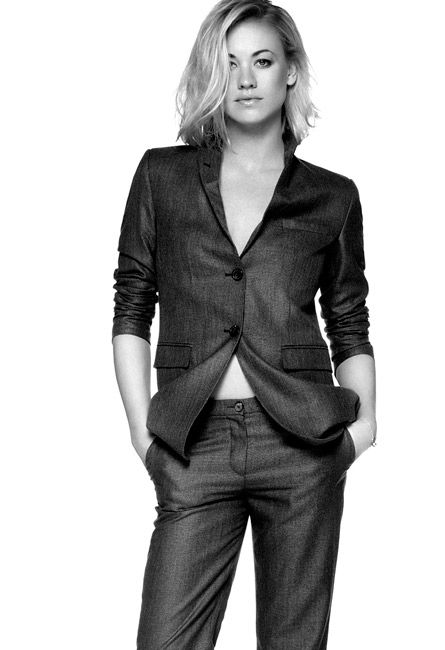 Yvonne Strahovski wearing a #GiorgioArmani wool jacket and matching trousers