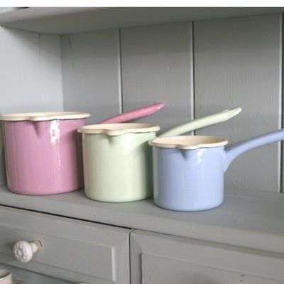 reiss enamel cook wear in pastel colours http://riesskitchenware.com