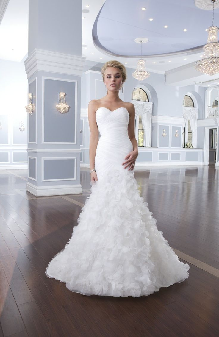 Modern Romantic Ivory White $$$ - $1501 to $3000 Dropped Floor Lillian West Mermaid/Trumpet Organza Ruching Sleeveless Strapless Sweetheart Wedding Dresses Photos & Pictures - WeddingWire.com (skirt)