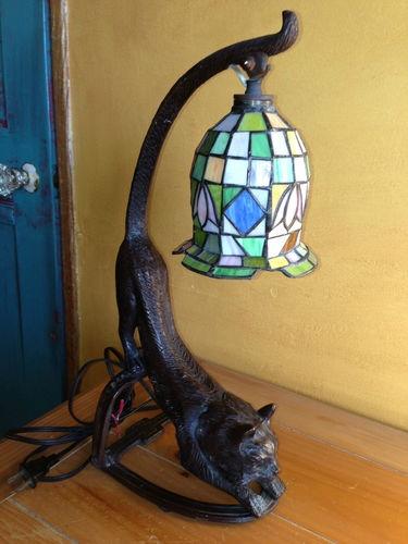 1000 images about cat decor lamps op pinterest glas in lood bril. Black Bedroom Furniture Sets. Home Design Ideas