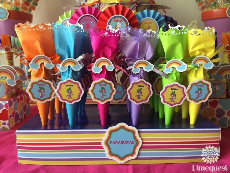 Una colorida mesa de golosinas para el festejo de los 4 añitos de Sophie,                                                                 ...