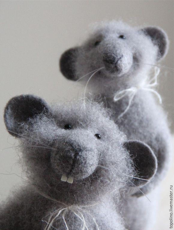 Купить Кому орешков? - серый мышонок, валяная мышка, мышонок, мышонок валяный, мышка из шерсти