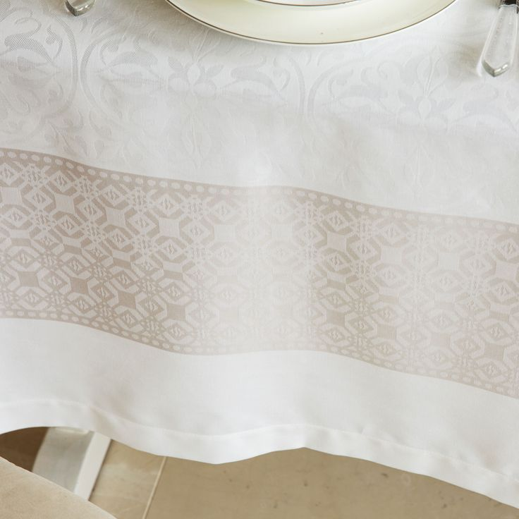 MANTEL Y SERVILLETA ALGODÓN JACQUARD GRIS - Mesa - Nueva Coleccion | Zara Home España