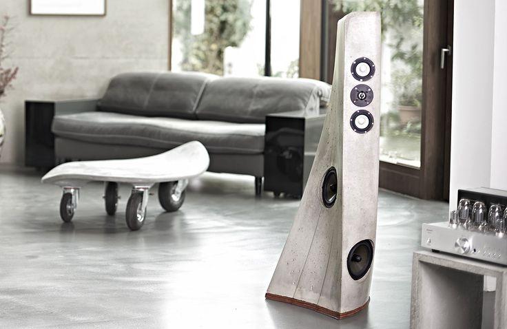 Lautsprecher aus Beton. Wirklich guter Klang braucht beste Treiber und Volumen. Treiber von ETON in Kombination mit einem respektablen Gehäuse aus Beton bieten Beides. Die Treiber sind die Basis. Beton als Werkstoff mit d…