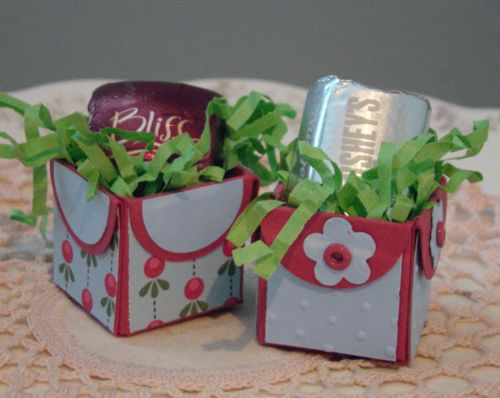 petal punch box: Gift Boxes, Boxes On, Gift Ideas, Club Girls, Petal Punch, Card Boxes
