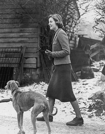 Deborah Mitford awaiting the arrival of her sister Unity, from Germany in 1940