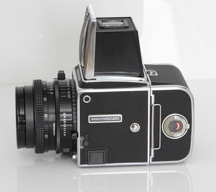 Hasselblad 2000FC/M  CARL ZEISS Planar T 80mm 2.8  Lens - Beautiful kit