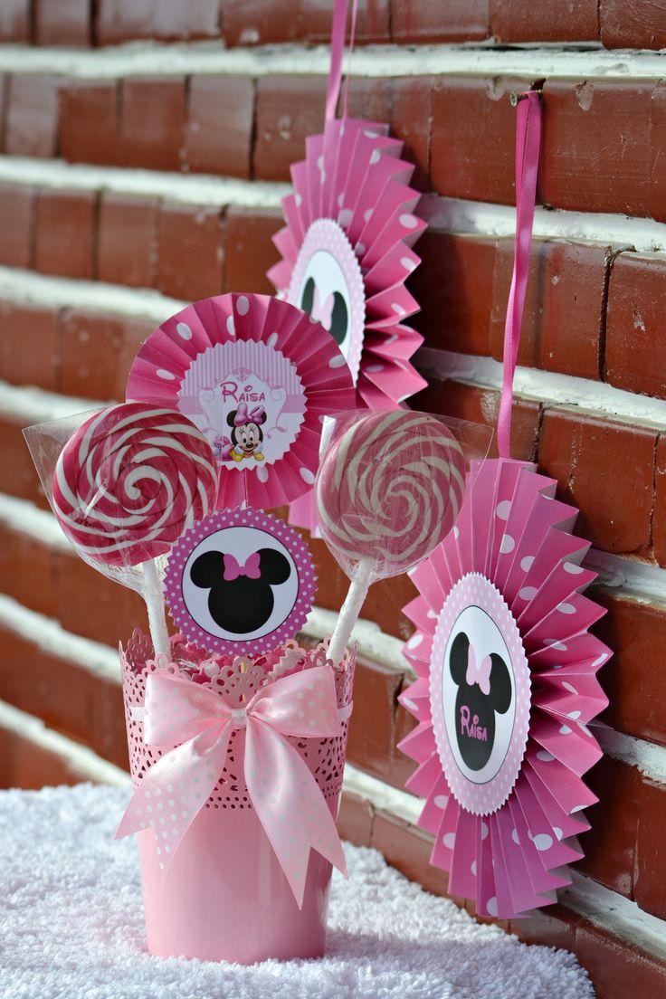 Aranjament decoartiv pentru Candy bar...Tematica Minnie Mouse...