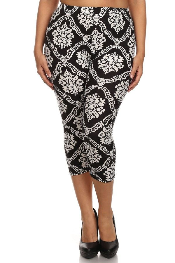 Damask Design Plus Size Capri Leggings