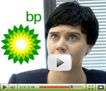 Era il 2010 quando il Golfo del Messico veniva invaso dalla più massiccia fuoriuscita di #petrolio della storia americana. Su #YouTube spopolava il video-beffa che #UcbComedy dedicò alla dirigenza di #BP.  Una tazzina di #caffè rovesciata sulla scrivania, ed è il panico!  #Energie su @marraiafura