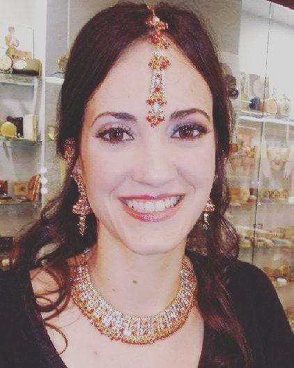 Indian Brides Bodas Indias con #mimejorlook  Tu estilismo de novia y fiesta #servicioadomicilio #estilismonovias #indianweddings #indianmakeup #indianbrides #weddings #makeupforevermakeup #mimejorlookmakeup #smile #bridehappy #noviafeliz #nicebride #mybrides #noviasfelices #maquillajeypeluqueriaadomicilio #inbarcelona #barcelona #peinados #pruebasmaquillaje by mimejorlook