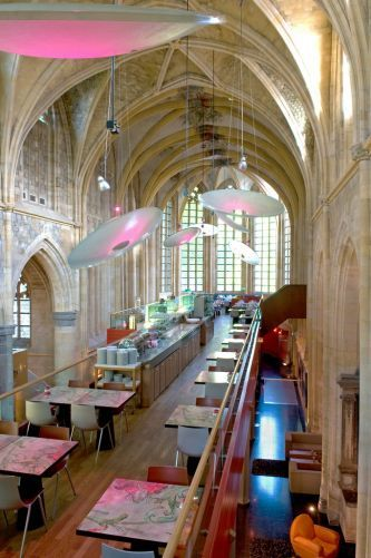 Kruisherenhotel Maastricht (The Netherlands) is a 15th century monestry that is transformed into a design hotel. Design by Vos Interieur. More pictures: http://www.vosinterieur.nl/ontwerpstudio/projecten-zakelijk_10/kruisheren-hotel-maastricht.aspx