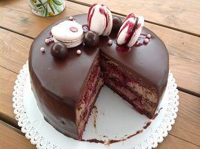 VÍKENDOVÉ PEČENÍ: Čokoládový dort s višněmi