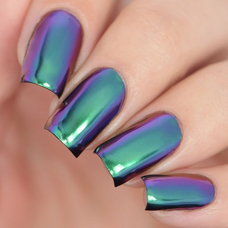 TRAPEZE Nail Powder  https://www.twinkledt.com/collections/chrome-holo-powder/products/trapeze?utm_source=SimplyNailogicalYouTube&utm_campaign=PurpleGreenPowder&utm_medium=GenericVideos#