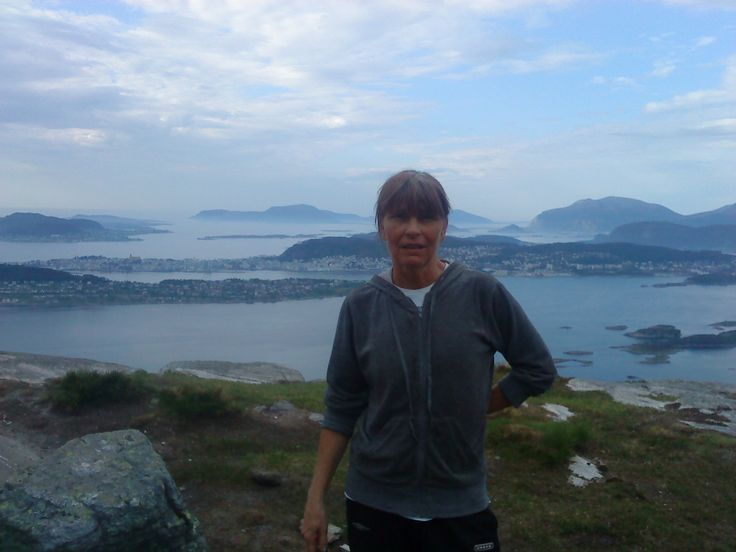 I on hike with views out over Ålesund #trip #moutain #sea #me #lovely #views
