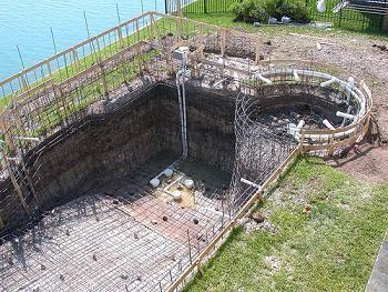 Como construir una piscina informaci n importante for Piscinas talavera