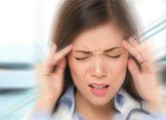 Heb je hoofdpijn vanwege migraine? Leg dan een bananenschil op je voorhoofd voor een geweldig effect