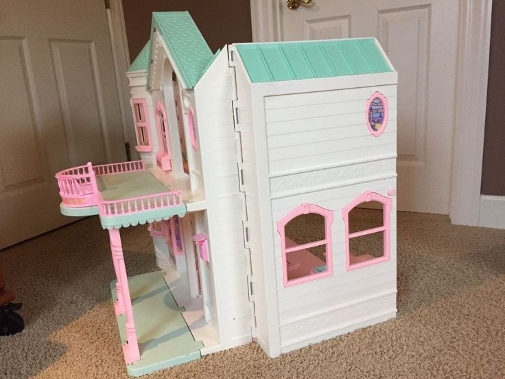 1998 Deluxe Barbie Dream House with Working Elevator & Original Furniture - Victorian - No. 18638 Mattel Toy Dollhouse with Furnishings Box