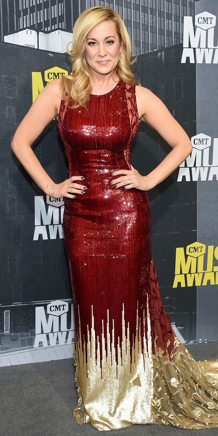 See the Hottest Looks from the 2017 CMT Music Awards Red Carpet - Kellie Pickler from InStyle.com