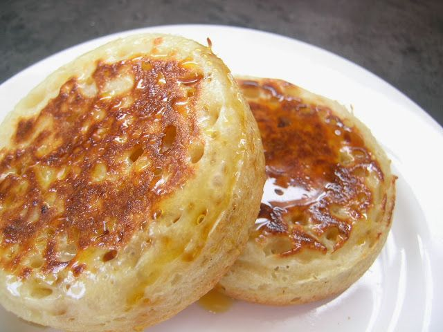 The Good Life: Just because I can - Sourdough Crumpets