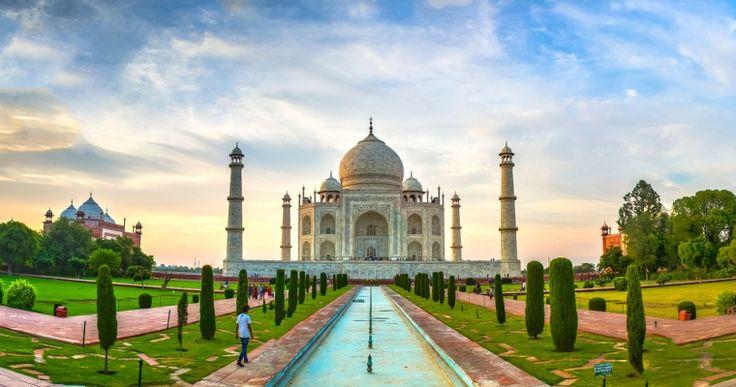 India szinte minden régiója híres valamilyen kézműipari termékről. Lehetetlenség megállás nélkül elmenni a kasmíri vagy jaipuri szőnyegkereskedések mellett, ahogy hosszasan elcsodálkozhatunk a Varanasi és környékén gyártott selymek, és azokból készült csodálatos szárik láttán is. India hallatán kinek ne jutnának eszébe a füstölők, a henna, vagy a jóga, a Gangesz és Síva, a különleges indiai konyha. Indiában az ember úgy érzi, egy másik világba csöppent.