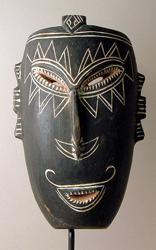 Oceanic Masks - Ancestor spirit mask from Tami Islands