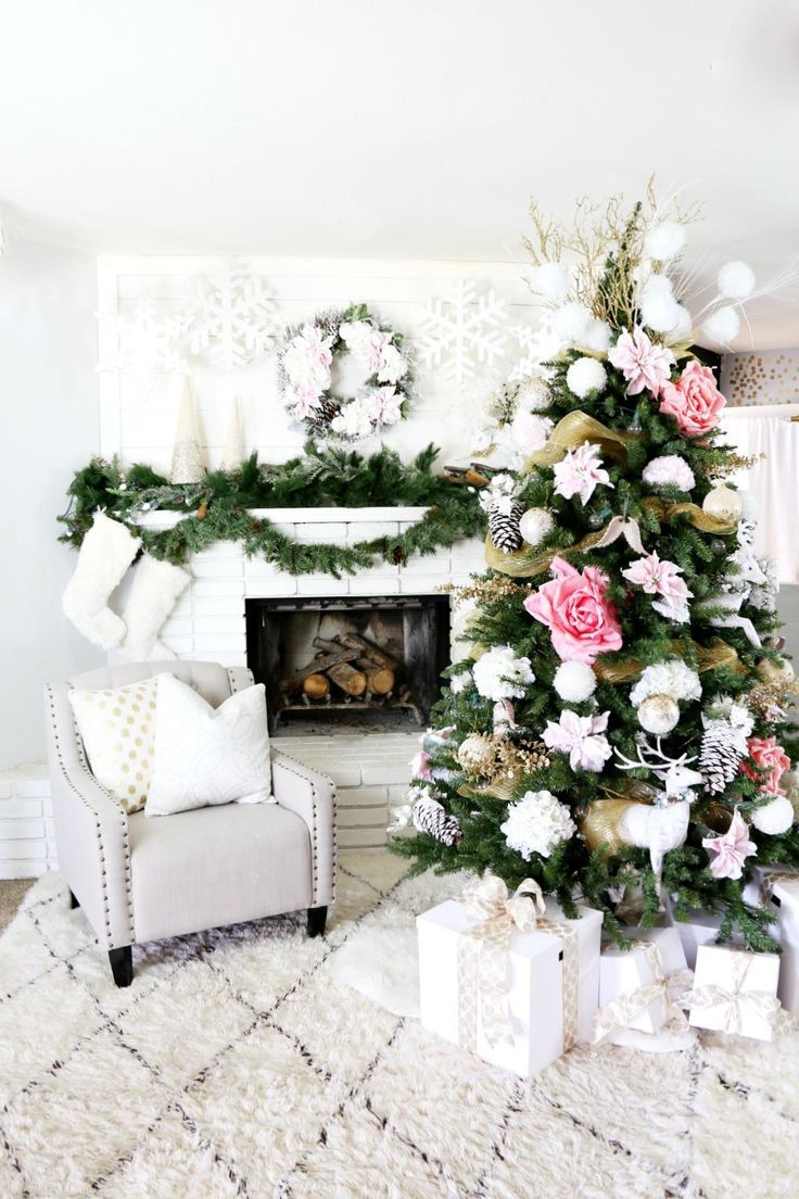 Large white christmas ornaments - Christmas Tree Decoration Ideas Stunning Feminine Tree With Sheer Gold Garland Oversized Pink Flowers