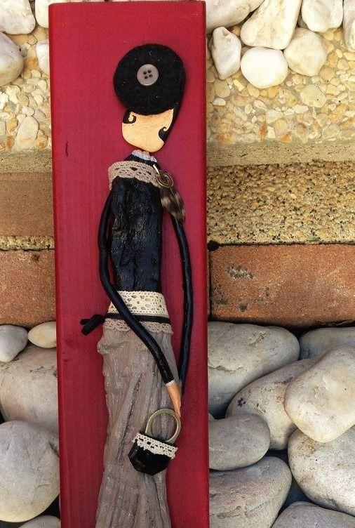 Mademoiselle Colombe du bois flotté