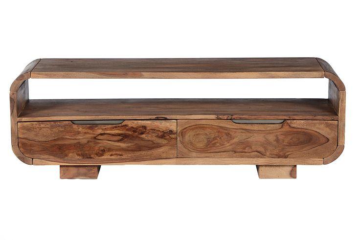 Möbelserie, die zwar aus Indien kommet, aber eher modern und cool wirkt. Gesoftete Ecken, eingelassene Griffmulden, verrückte Couchtische – bieten viel Individualität aus nachhaltig angebautemSheesham-Holz. Unter Verzicht auf...
