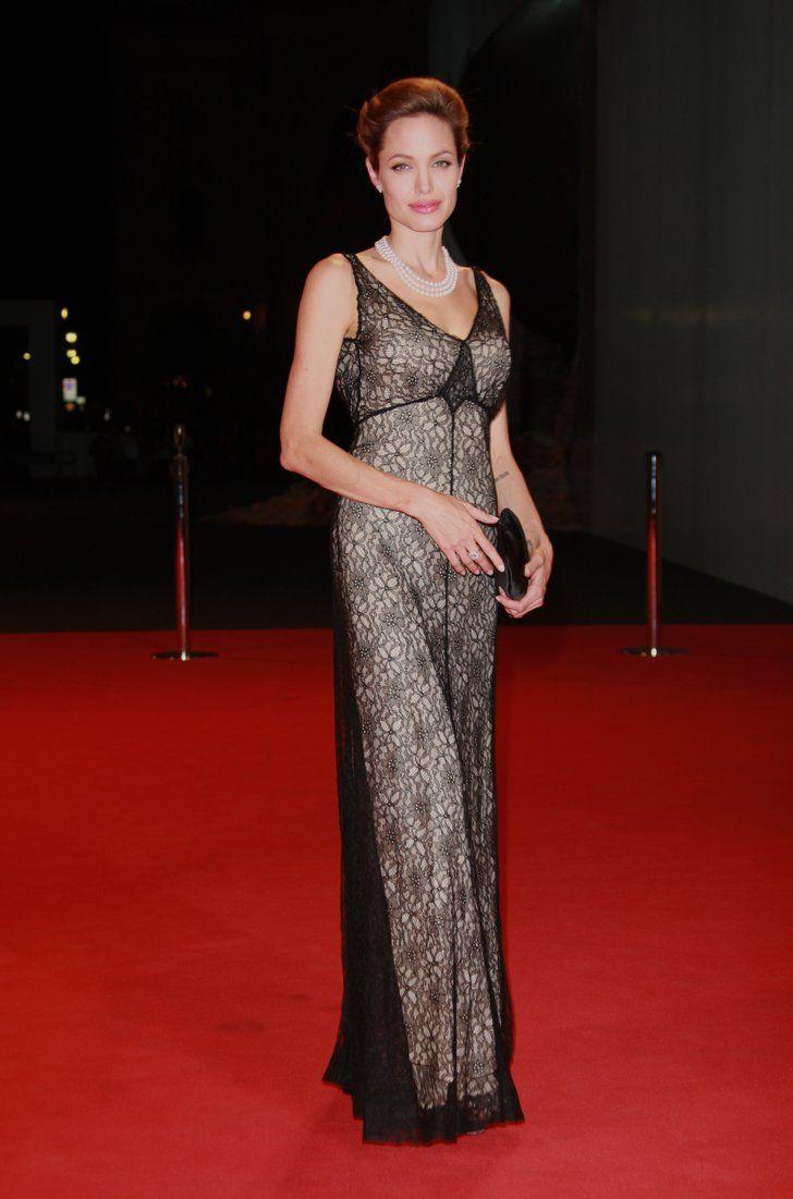Pin for Later: 40 Gründe, Angelina Jolie's Style zu lieben Angelina Jolie 2007 beim Filmfest in Venedig
