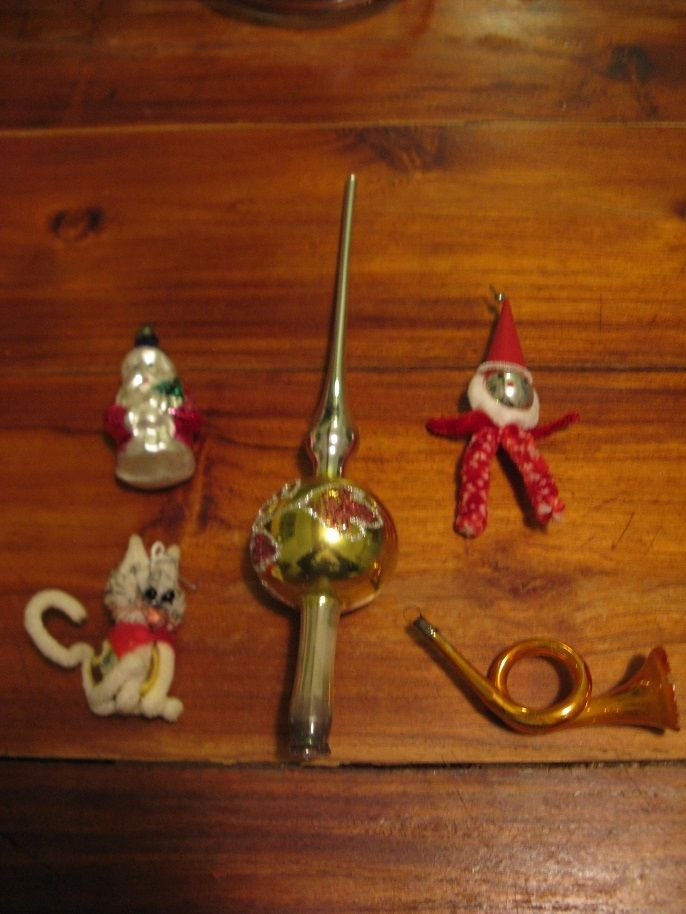 5 x old Cristmas glass balls:a Peak, a cat, a trumpet, a Santa Claus, and a male #CristmasFigurine