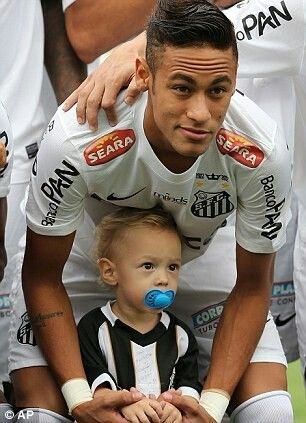 #Brazil 2014 Neymar and his son ! So adorable ♥ Father's Day