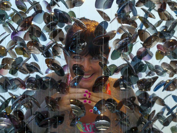 Petals of glasses for lenses luxottica - Adriana Lohmann - Lignting Design www.adrianalohmann.com - #madeinitaly #lampadari #chandelier #lighting #illuminazione #design #luxury #decor #interiordesign #vetro #homedecor #livingroom #interiorstyling #houseandhome #inspiring #jewellery #emotionallight #pendantlamps #handmade #casa #house #scenografie #atmosphere #lifestyle #designer #livingroomdecor