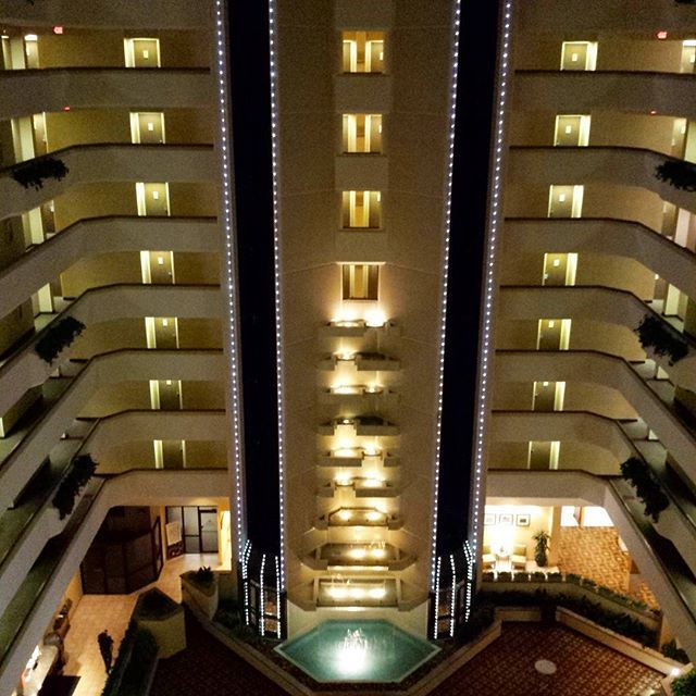Hotel In West Des Moines Sheraton West Des Moines Hotel Hotels And Resorts Hotel Des Moines