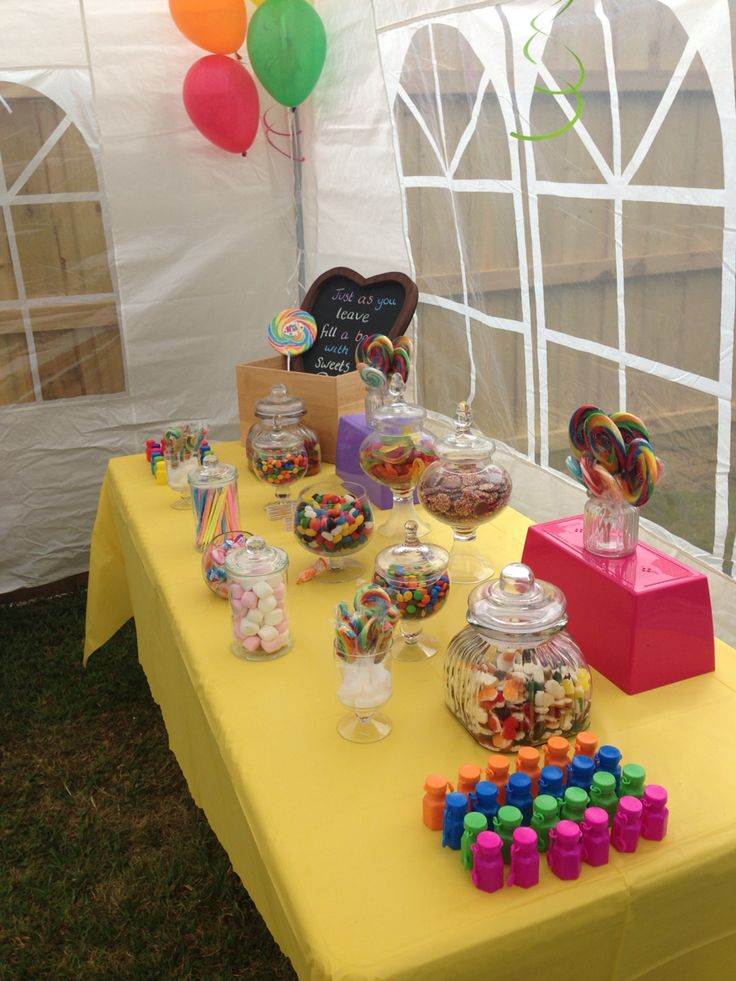 Rainbow party lolly buffet