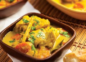 Ca Ri Ga (Vietnamese Chicken Curry): Serve this mild but richly flavored curry with slices of toasted baguette.
